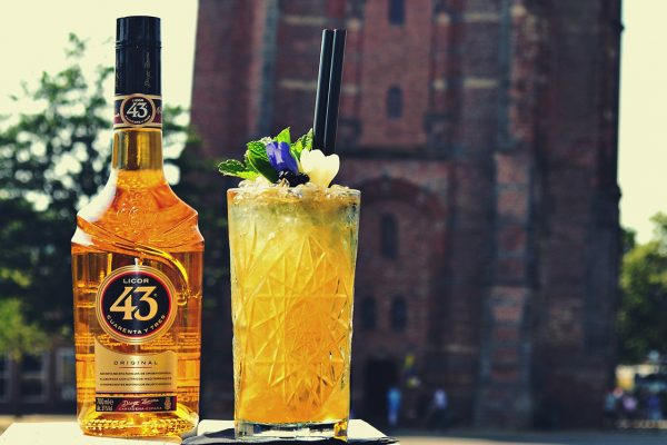 Cocktail met 43